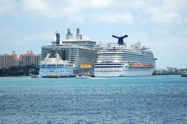 Oasis Of The Seas Vs Disney Dream
